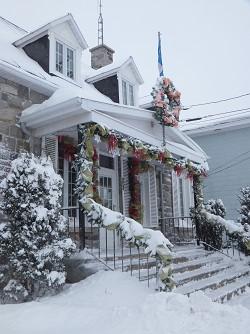 bureau municipal sous la neige (Auteur : Aline Jestin)