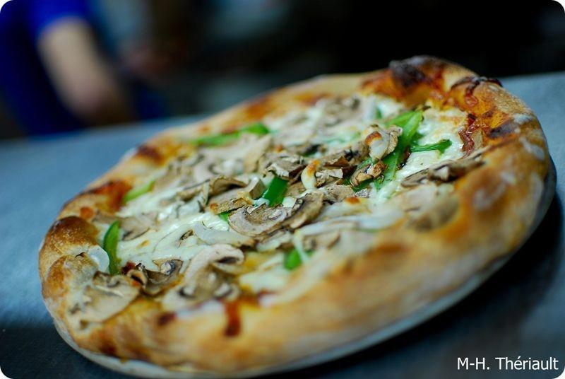 Pizza du Resto Au P'tit Menu (Auteur : Marie-Hélène Thériault)